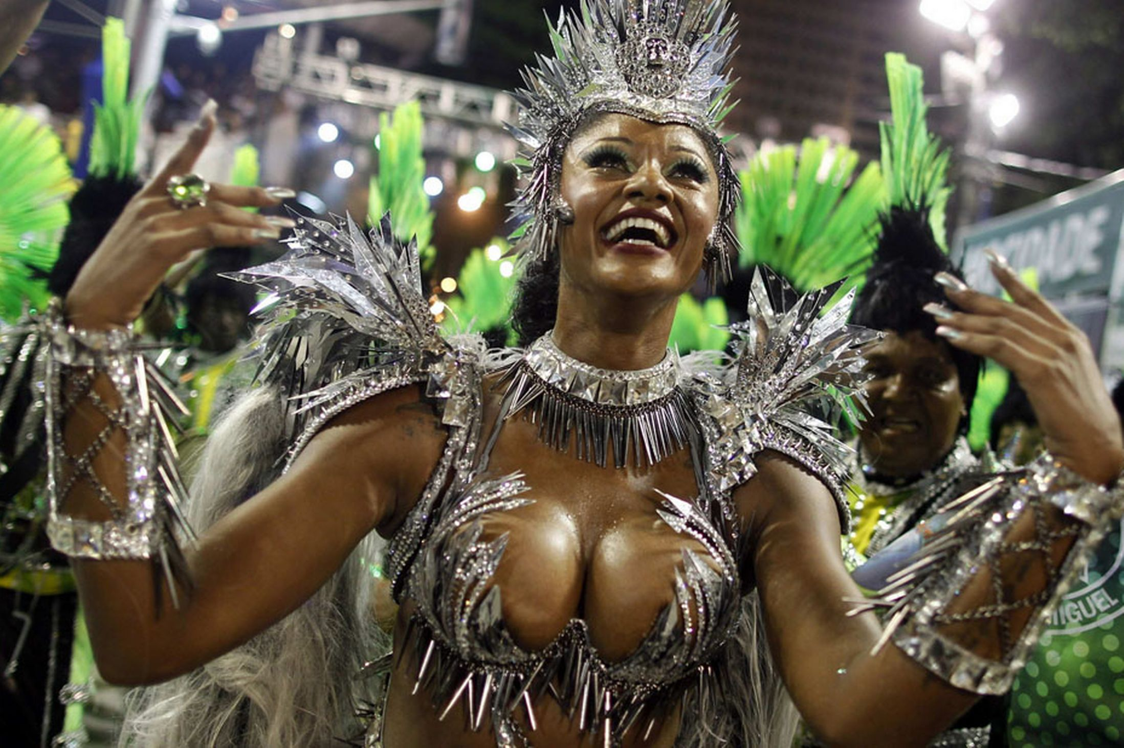 Drum Queen Camila Silva of the Mocidade Independente samba school dances on the first night of the annual Carnival parade in Rio de Janeiro's Sambadrome. Copyright © 2013 euronews