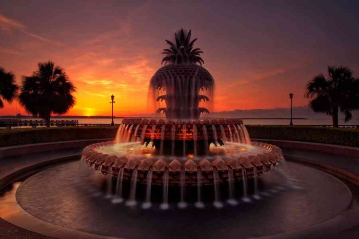 Charleston Pineapple Fountain. Image credit not found. TravelSeeLove.com does not claim any rights whatsoever to this image.