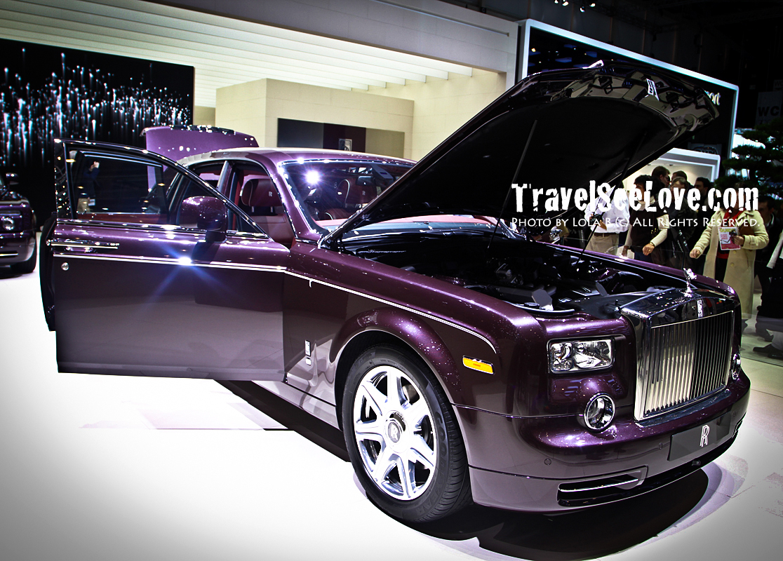 I love that Rolls Royce chose an elegant purple to showcase at the 2011 Geneva show