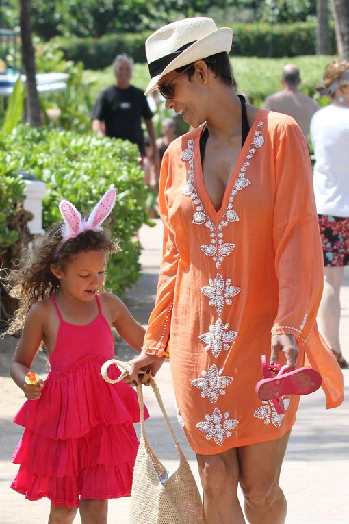 Halle Berry & Daughter Nahla Attend An Easter Egg Hunt In Maui. Photo by FameFlynet, Inc - Beverly Hills, CA