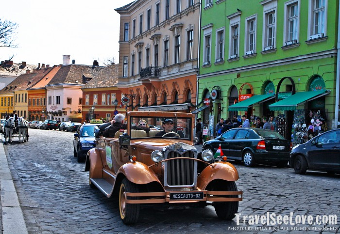 The classic cars and horse carriages definitely cemented the Old Town feel of the Buda side's city center