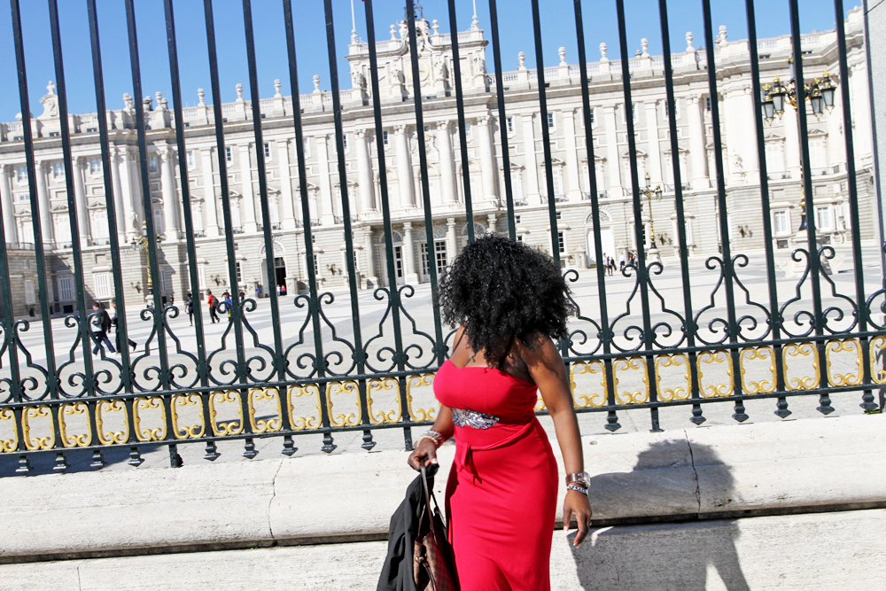 Admiring the royal palace.. what a thing of beauty!