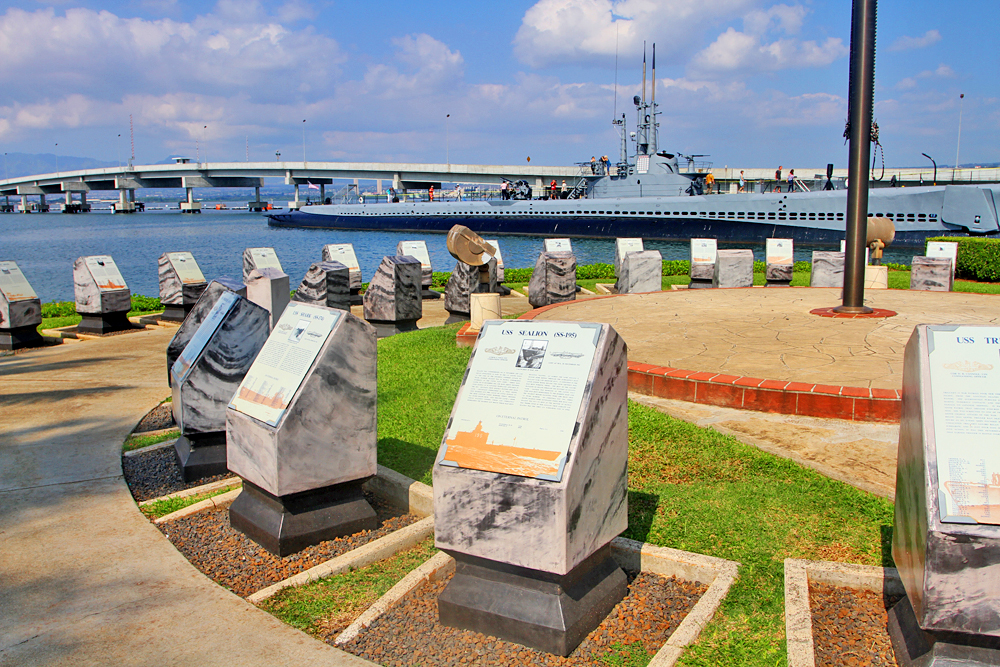 Tombstone/memorials of fallen ships and submarines.. definite tearjerker :(