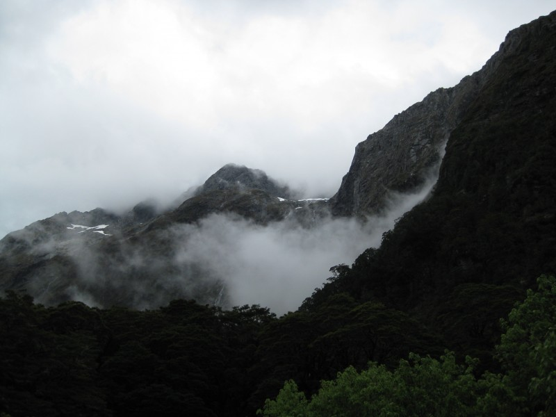 176.CloudsMordor