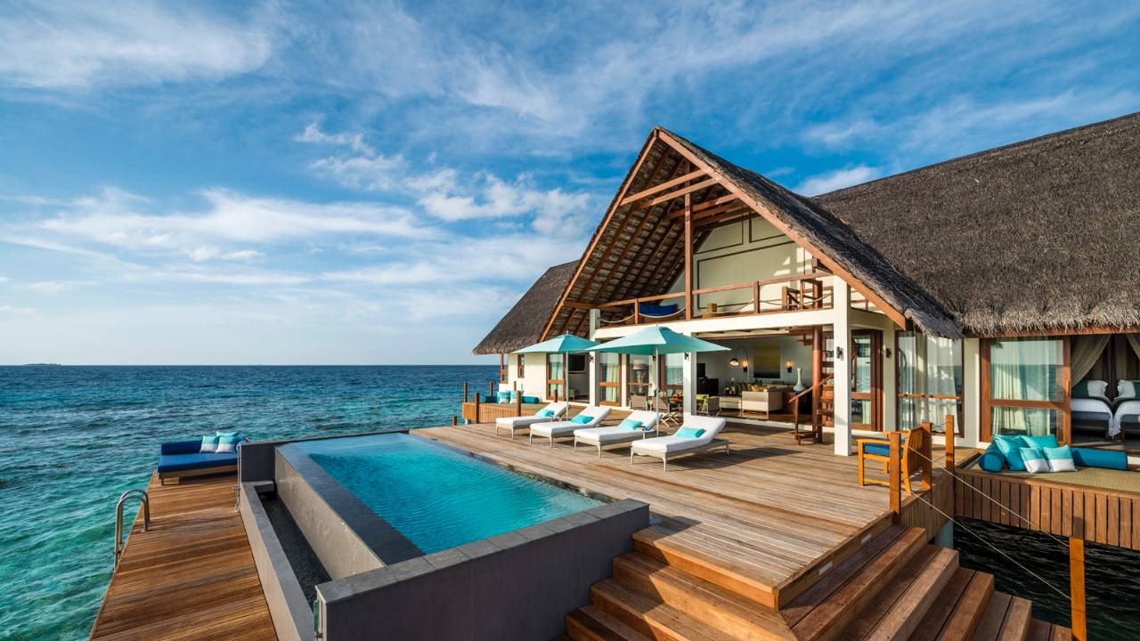Four seasons maldives the ultimate in luxury travelseelove for Luxury resorts