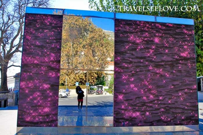 I enjoyed this mirrored and sparkly busstop by Piles square